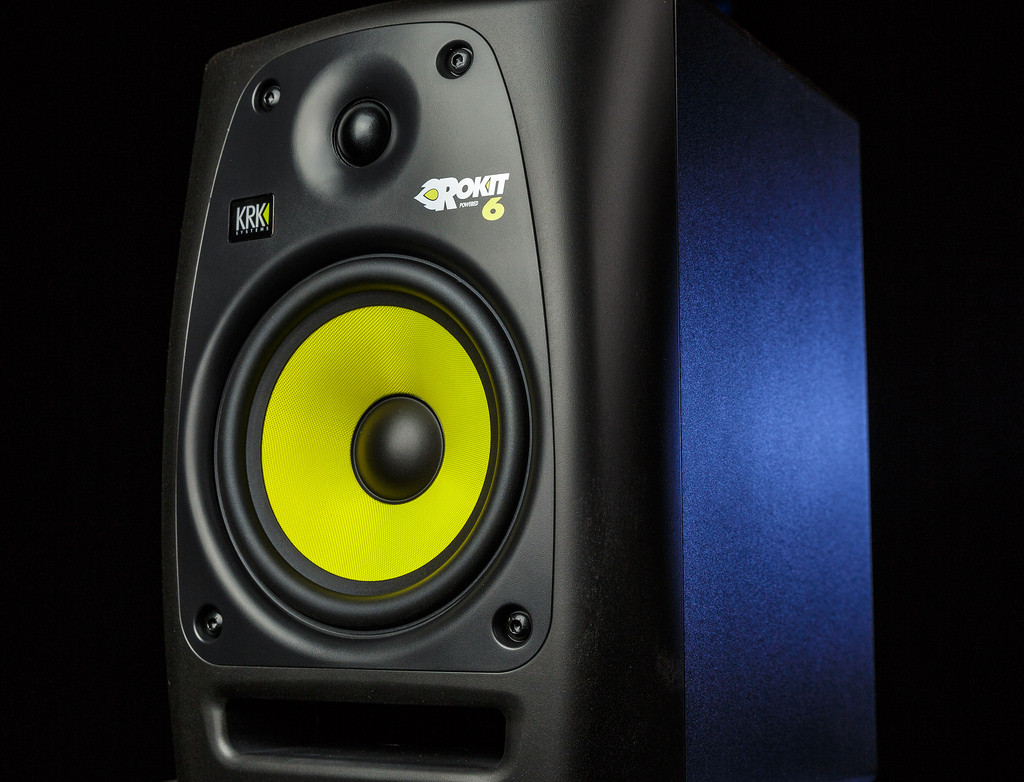 What are 'monitor speakers' and why do I need them? |Studio Speakers