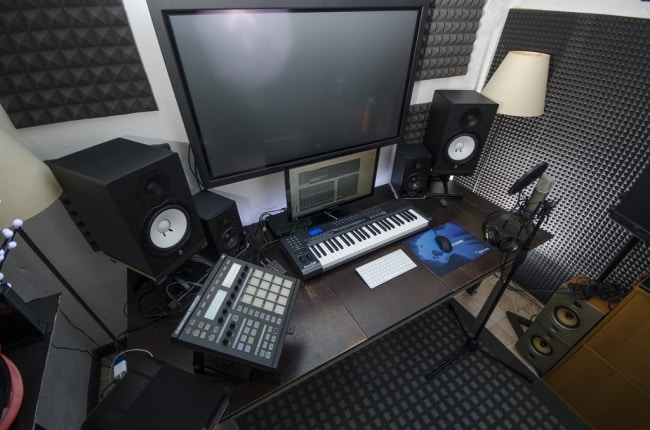 ideal home recording studio to start electronic music production