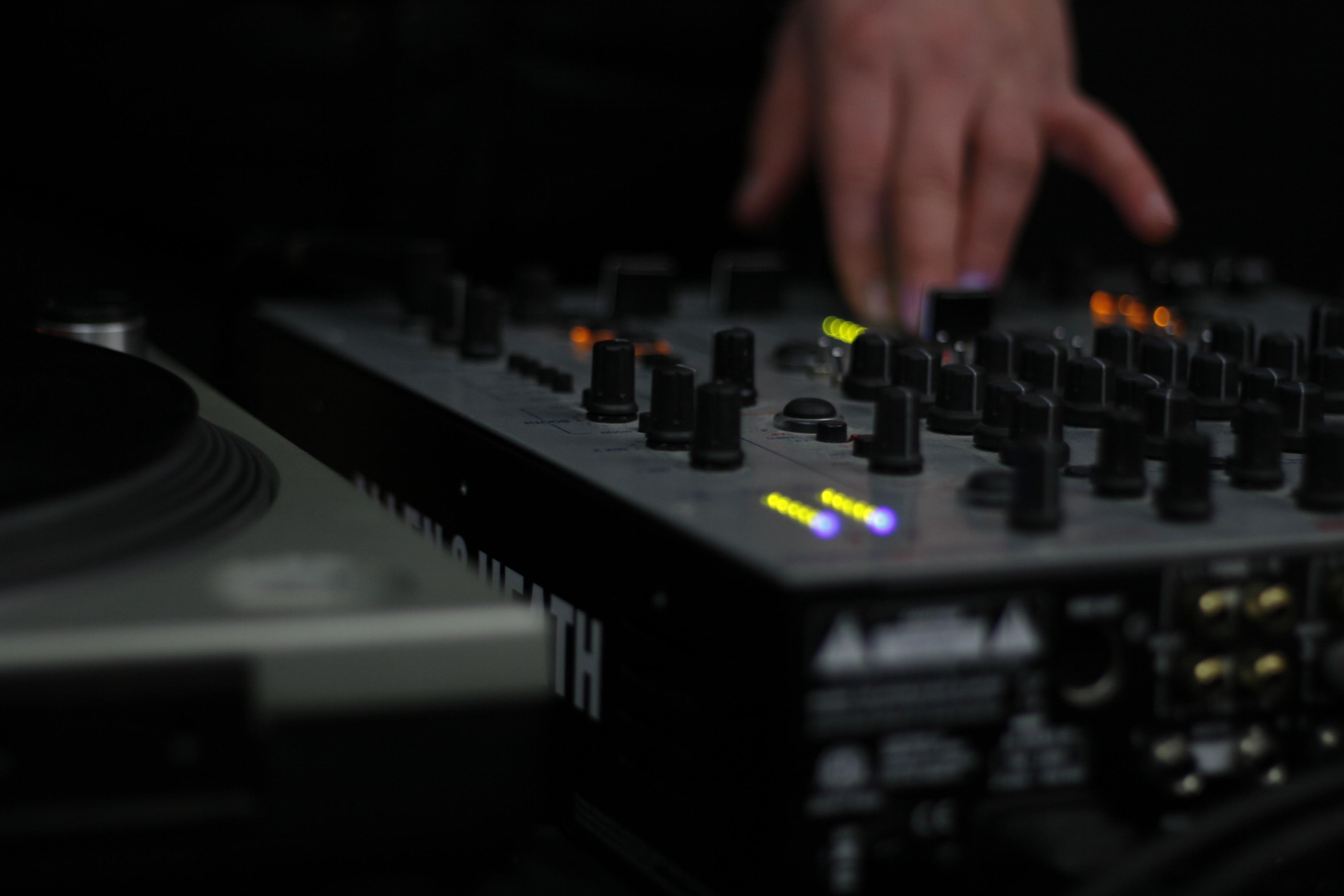 The Best Dj Mixers For Beginners Global Djs Guide
