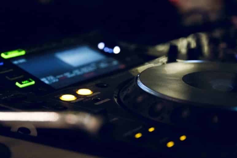 Top 11 Best DJ Media Player (2020 Reviews)