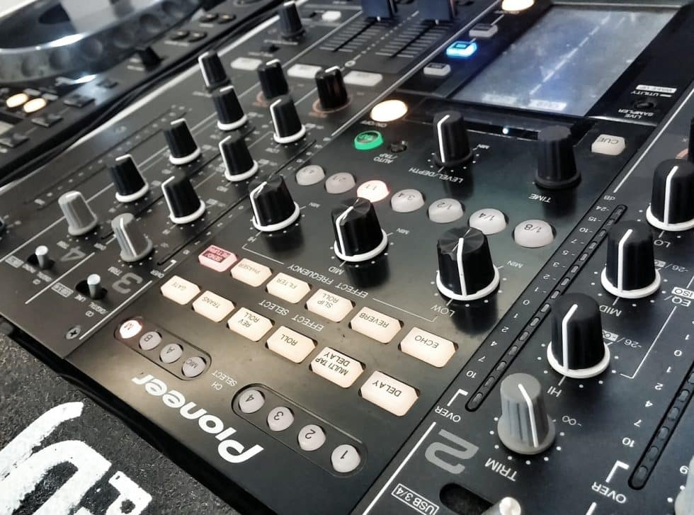 The 9 Best DJ Mixers In The World Today!