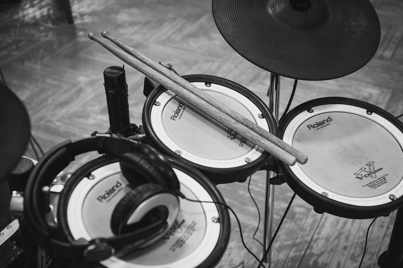 The best electronic drum set for beginners under $500