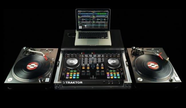 digital vinyl system native-instruments-traktor-kontrol-S4-traktor-scratch