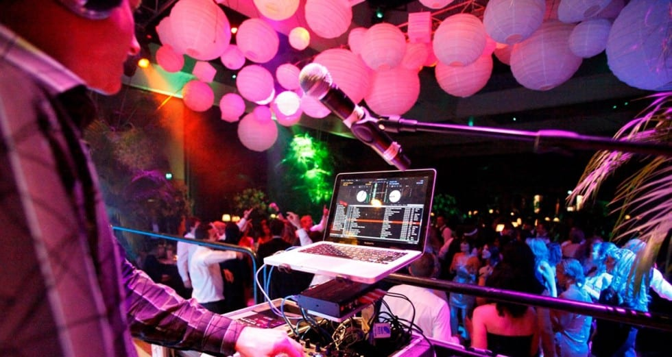 Wedding DJ: Everything you need to know in 2020