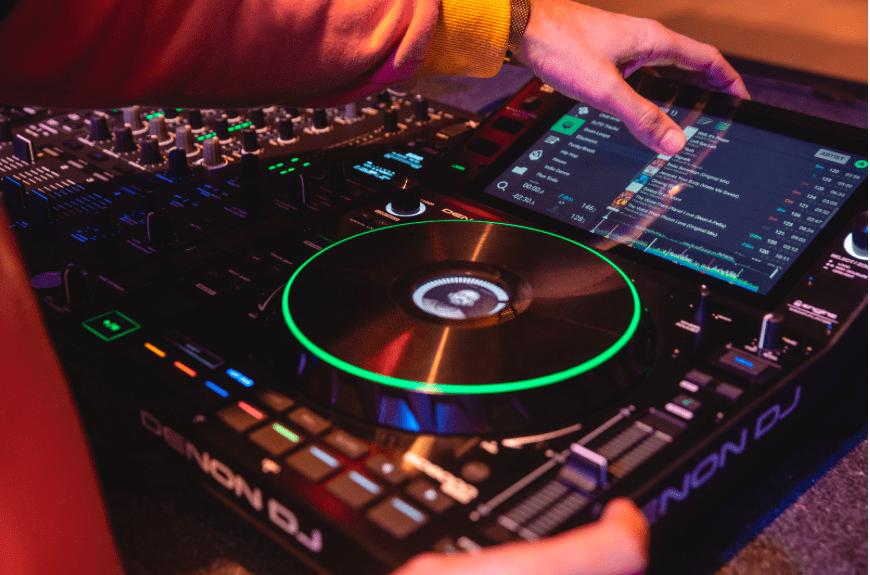 Denon DJ SC6000 Prime Review | A Professional DJ Media Player or cheap alternative?