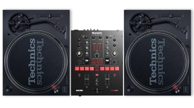 Numark Scratch DJ mixer DJ setup