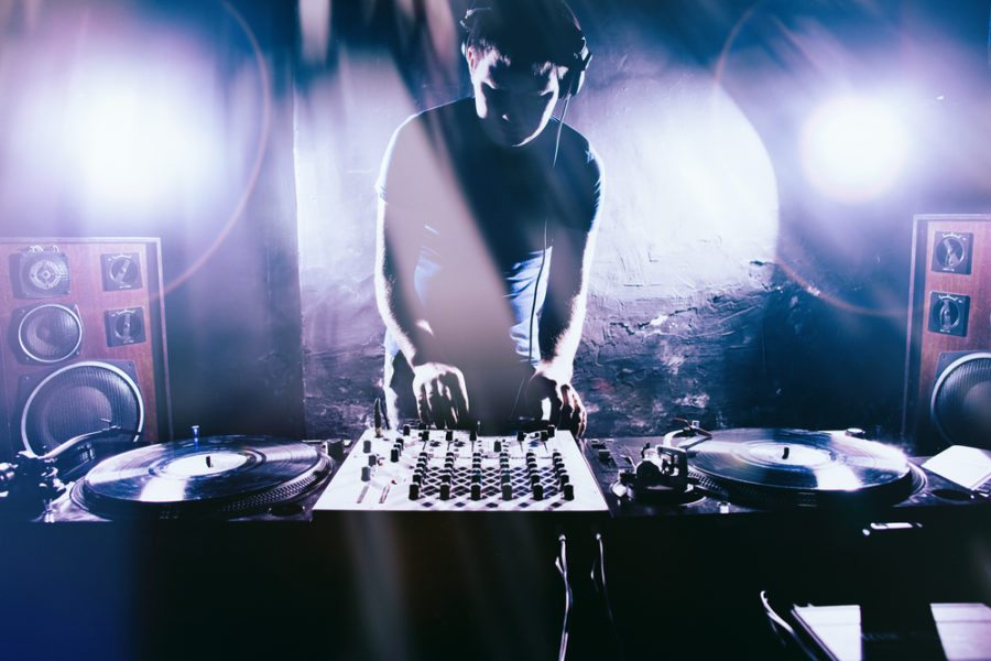 How to Livestream your DJ sets – Everything you need to know