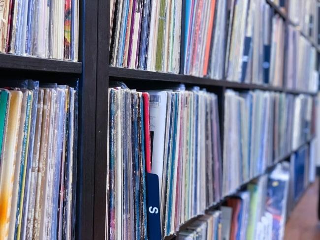 storing+vinyl+records
