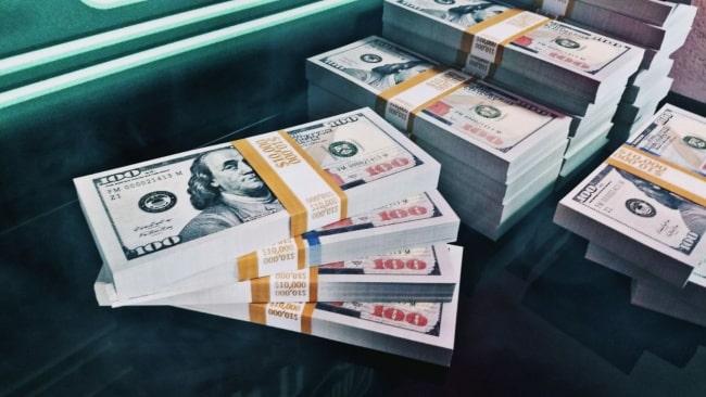 how much money djs make